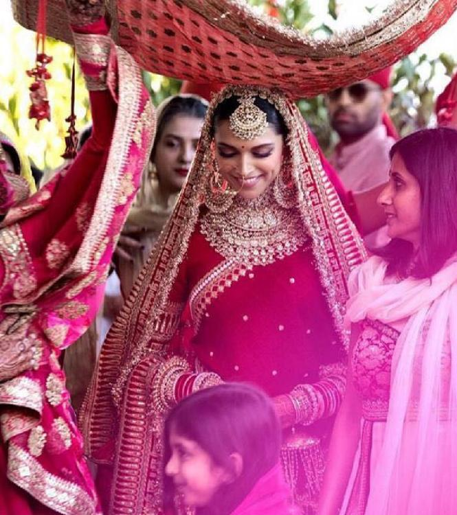9 Bollywood Actresses Who Looked Stunning In Their Bridal ...